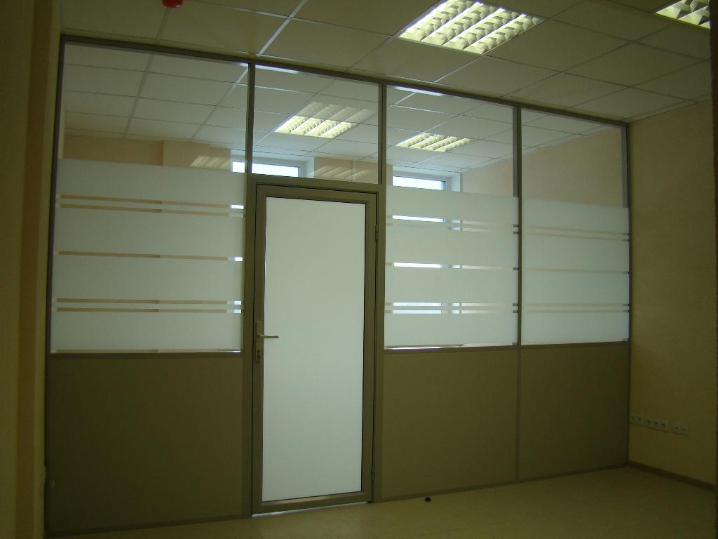 Комбинированная офисная перегородка